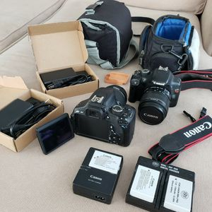 Canon T3i and a T2i for Sale in Vallejo, CA