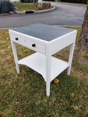 End table for Sale in Lorton, VA