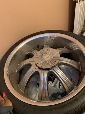 22 inch rims 5 lug universal for Sale in Nashville, TN
