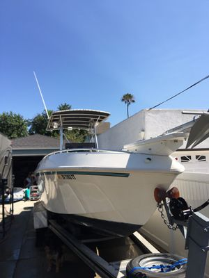 26' PARAMOUNT CENTER CONSOLE BOAT for Sale in Long Beach, CA