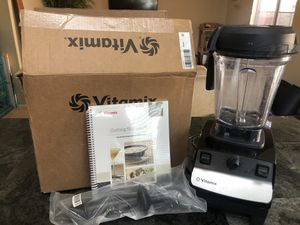 VITAMIX blender 5300 Professional series with box for Sale in Murrieta, CA