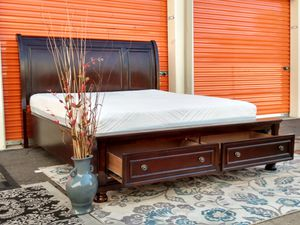 💤💤 king size solid mahogany wood bedroom set comes with mattress plus bed frame excellent condition for Sale in Tempe, AZ