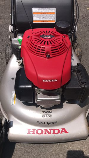 Honda 21 in. 3-in-1 Variable Speed Gas Walk Behind Self Propelled Lawn Mower with Auto Choke for Sale in NO POTOMAC, MD