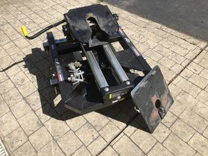 PullRite SuperGlide 24k 5th Wheel Slider Hitch for Sale in Boston, NY