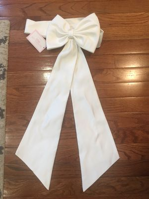 Flower girl bow for dress for Sale in Lorton, VA
