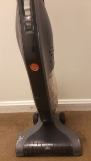Hoover vacuum for Sale in Revere, MA