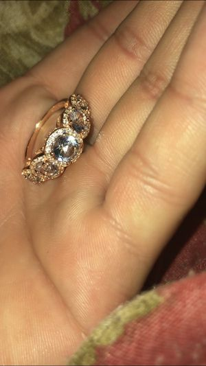 5 stone Sapphire ring for Sale in Melrose Park, IL