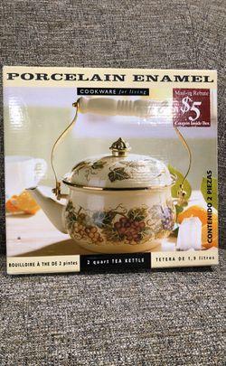 Tea Kettle Porcelain Enamel Cookware for Living for Sale in Alexandria,  VA