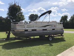 Pontoon SunTracker (Fishin' Barge Series) for Sale in Murfreesboro, TN