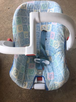 Infant car seat free for Sale in Woodbine, MD