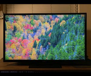 32 Inch LED 1080p HDTV for Sale in Dallas, TX