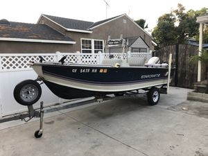 16' Starcraft center console for Sale in Whittier, CA