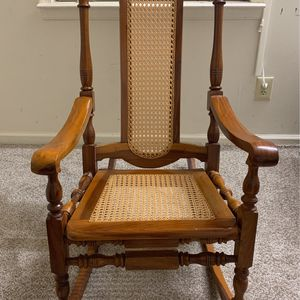 Rocking Chair for Sale in Edison, NJ