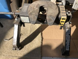 Fifth wheel hitch for Sale in Pflugerville, TX
