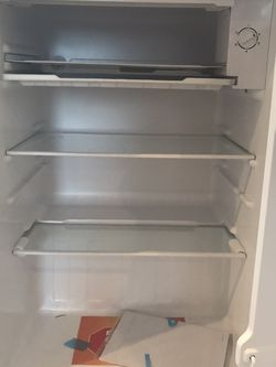 2.7 Cu Ft Mini Fridge With Freezer , New for Sale in Troutdale,  OR
