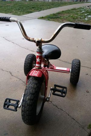 Antique Style tricycle with back bar for 2nd rider! for Sale in Villa Ridge, MO
