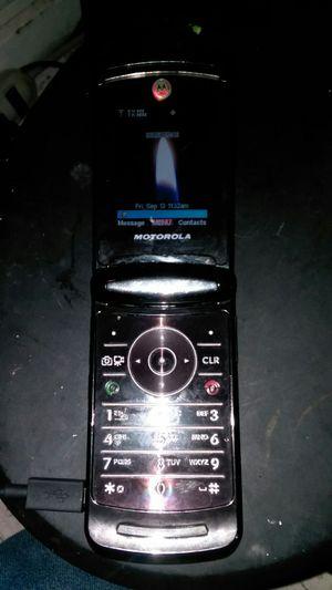 Motorola razr2 v9 verizon for Sale in Aberdeen, WA
