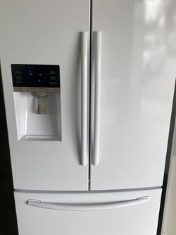 """36"""" Samsung White Fridge Refrigerator Nevera Refrigerador Good Condition Delivery Available Warranty 100 Days Like New for Sale in Doral,  FL"""