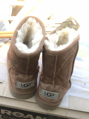 UGG little girls size 10 for Sale in Antioch, CA