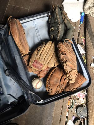 Baseball gloves for Sale in Leander, TX