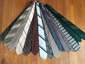 Lot of (15) dress ties. Various patterns. Like new! for Sale in Liverpool, NY