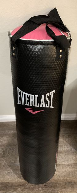 Everlast CardioBlast 40 Pound Punching Speed Strike Heavy Bag, Black and Pink for Sale in Santa Clarita,  CA