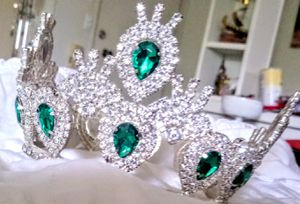 BEAUTIFUL SPARKLING SMALL PRINCESS CROWN TIARA CRYSTAL EMERALD GREEN . PAGEANT QUINCERRA PLAYTIME ETC. HANDSET PRONGED. $28 for Sale in Murrieta, CA
