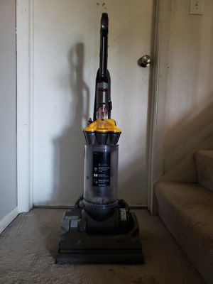 Dyson DC33 Vacuum for Sale in Pasadena, MD