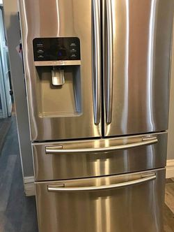Samsung Refrigerator for Sale in Portland,  OR