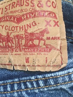 Men's Authentic USA 501 Button Fly Levi's 31x34 for Sale in Mustang,  OK