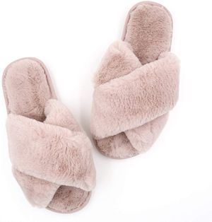 Ladies' Plush Slippers Powder Pink, 9-10 for Sale in Norfolk, VA