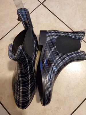 Rain boots size 10 for Sale in Bell Gardens, CA