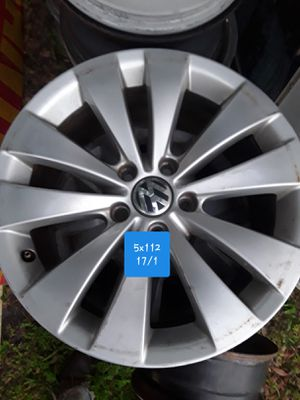 Volkswagen 17 inch rim for Sale in GRANT VLKRIA, FL
