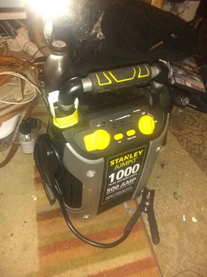 1000 amp jump box with USB plug in and air compressor for Sale in Sumner, WA