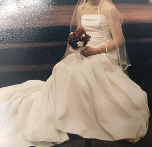 Wedding dress for Sale in Delaware, OH