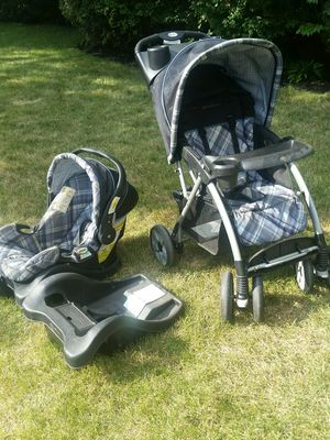 Eddie Bauer all terrain stroller. Car seat with 2 bases for Sale in Columbus, OH