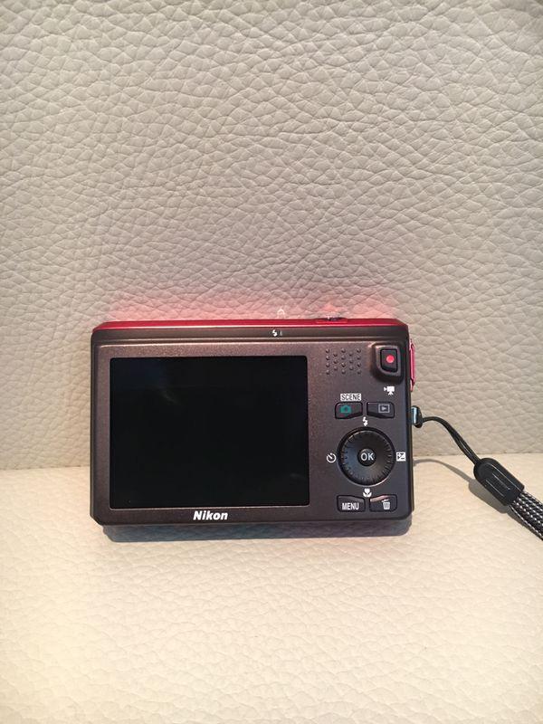 Nikon CoolPix S6300 w/ 32GB SD Card