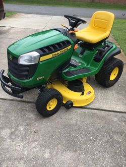 E130 22-HP V-twin Side By Side Hydrostatic 42-in Riding Lawn Mower for Sale in Portland,  OR
