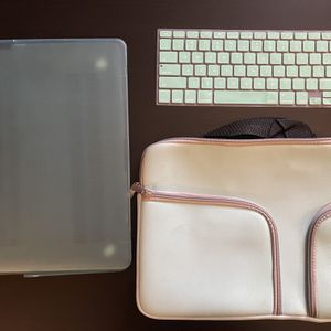 Matching Case/Cover/and Keyboard Cover 13.5 in x 10 in for Sale in San Diego, CA
