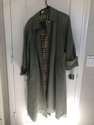 Burberry Trench-coat for Sale in Las Vegas, NV