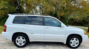 Very Nice 2006 Toyota Highlander 4WDWheels Cool for Sale in Lubbock, TX