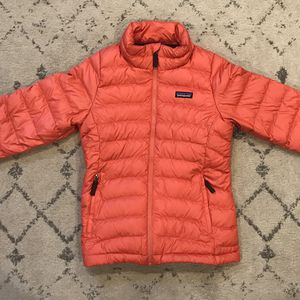 Patagonia Girl's Puffer Size 10 (coral/salmon color) for Sale in Bothell, WA