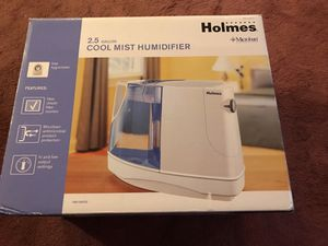 Holmes cool mist humidifier for Sale in Haltom City, TX