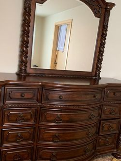 Bedroom set Queen Size for Sale in SeaTac,  WA