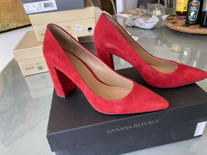 Banana Republic red suede block heel pump size size 8 for Sale in Valley Center, CA