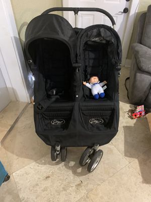 Double stroller in perfect condictions mini city for Sale in Miramar, FL
