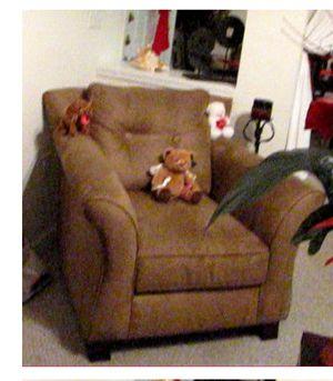 American Signature Loveseat and Chair for Sale in Marietta, GA