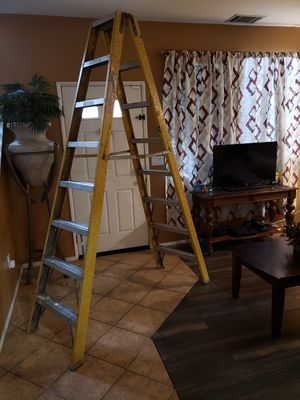 8 foot ladder for Sale in Lake View Terrace, CA