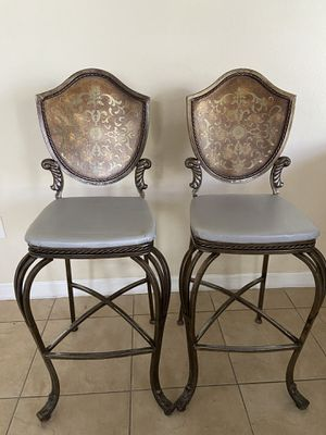 Antique Rustic Metal Chairs Set of 2 for Sale in Miami, FL