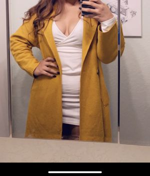 Forever 21 Yellow Coat for Sale in Maywood, CA